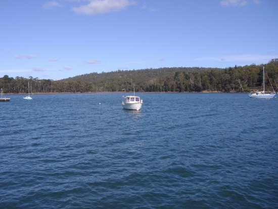 Taranna, Australia: Little Norfolk Bay Opposite