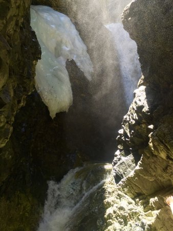 Zapata Falls: photo3.jpg