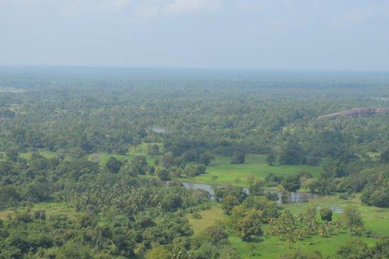 Yapahuwa, Sri Lanka: views