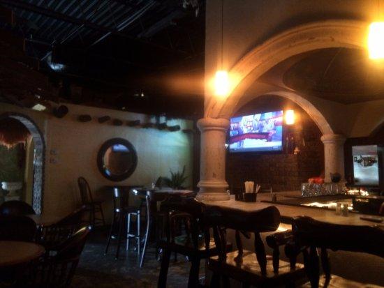 Senatobia, MS: Bar