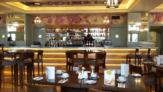 Coast Bar and Brasserie: TA_IMG_20160614_081931_large.jpg