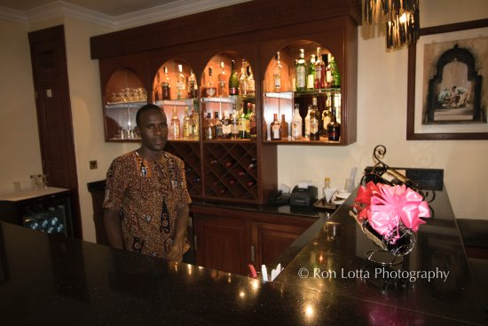 The African Tulip: Bar/Lounge