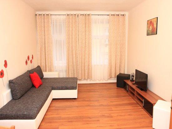 Prague Life Aparthotel Mikovec