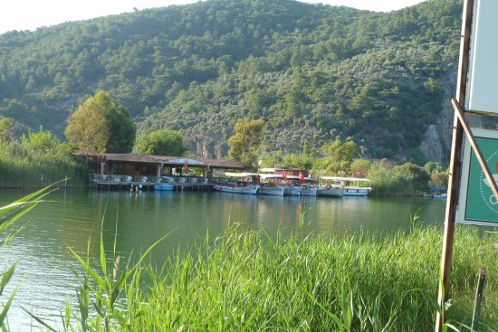 Dalyan Resort: Am Flussufer