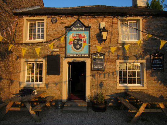 Strickland Arms: A pretty pub in a pretty villlage. The drive there is well worth it but a bit narrow in places
