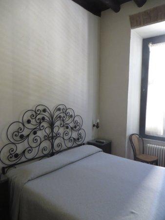 Hotel Andreina: Basic furniture