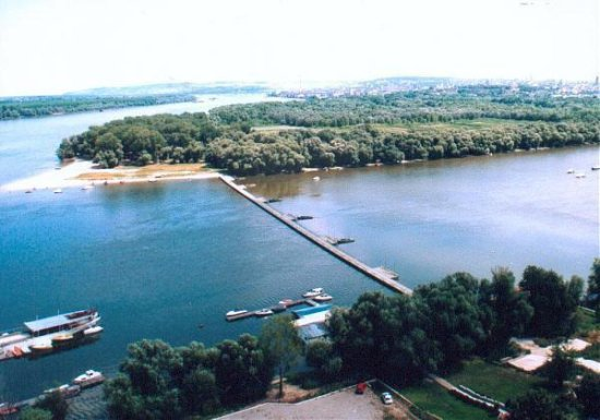 Great War Island: In the summer Lido beach is conected connected to Zemun promenade with a pontoon bridge