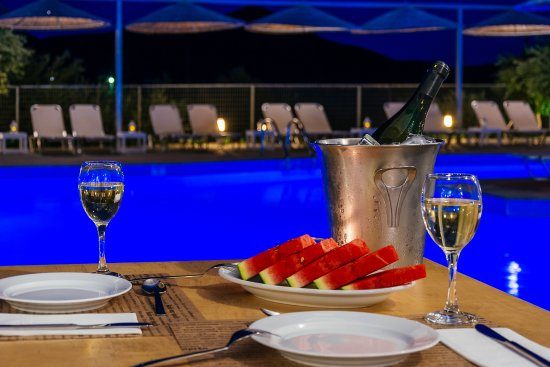 Elounda Krini Hotel: Dine at Pool