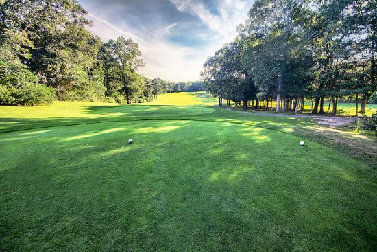a4de340721fa 13th Tee - Picture of Olde Barnstable Fairgrounds Golf Course ...