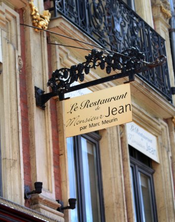 Monsieur Jean Restaurant