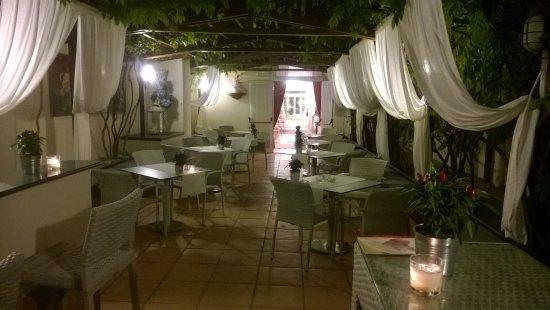 Quisisana Hotel Terme: bar della piscina esterna