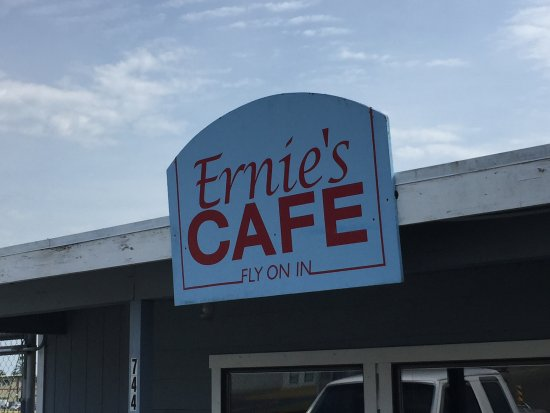Ernie's Cafe: At the Friday Harbor Airport