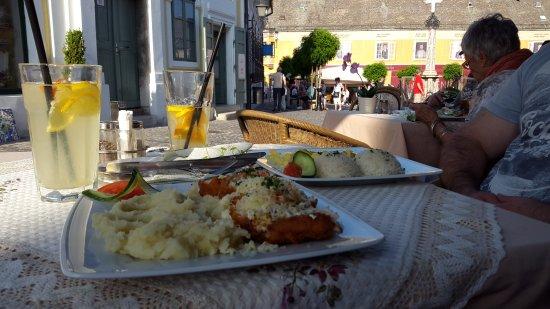 Elisabeth Restaurant : kapros túrós csirkemell