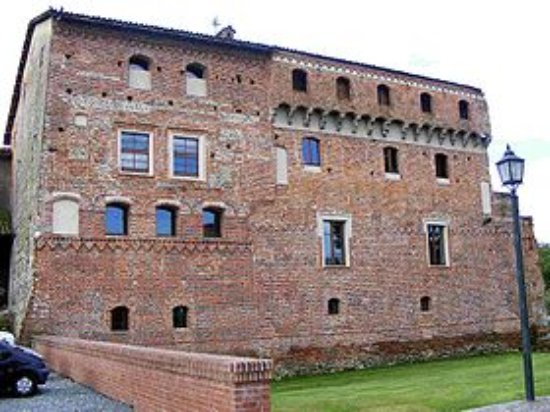 Province of Biella, İtalya: Lato Nord del Castello di Verrone - 13871 Biella