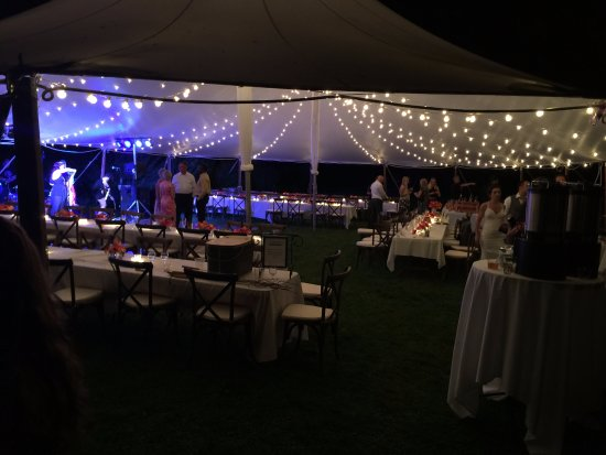 ‪‪Birchwood‬, ‪Wisconsin‬: Wedding reception tent‬