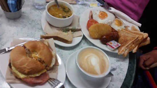 Pop Inn Cafe : 份量多的早餐