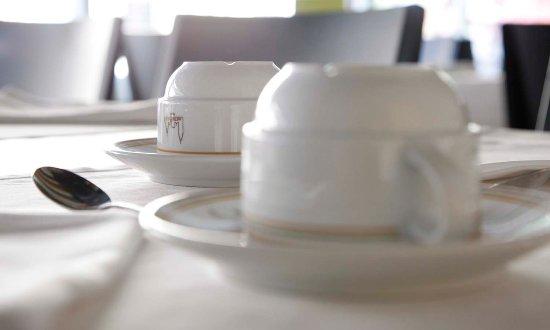 Hotel Metropolis : Foto detall Tasses Esmorzars