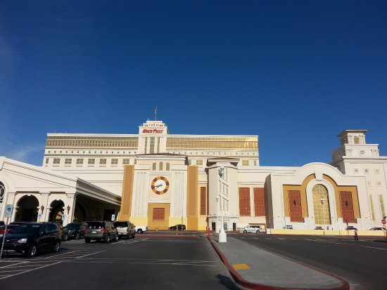 View From Front Picture Of Casino At South Point Hotel Las Vegas