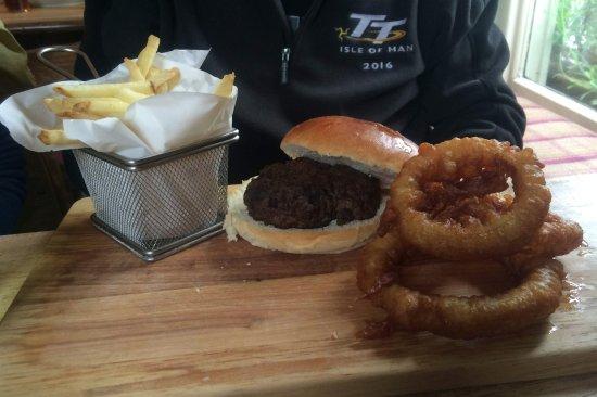 Luxulyan, UK: Burger, chips & onion rings