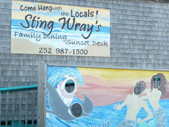 StingWray's Bar and Grill: Touted as a place where locals eat