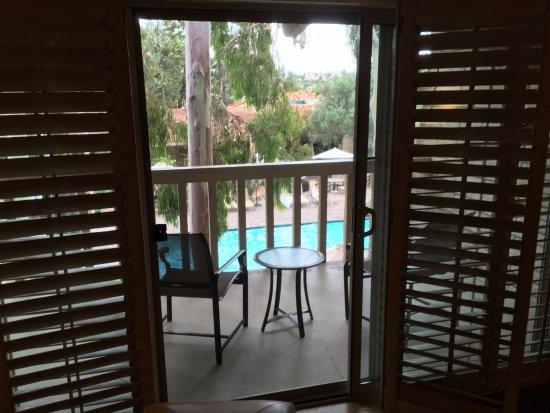 Rancho Bernardo Inn: patio and pool