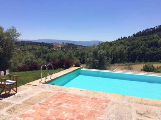 Cabeceiras de Basto, Portugal: Lovely pool overlooking the valley
