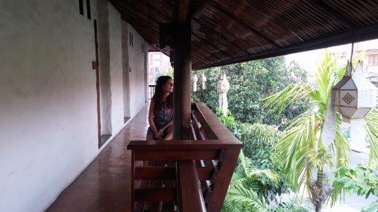 Villa Korbhun Khinbua: Outside balcony with seating area