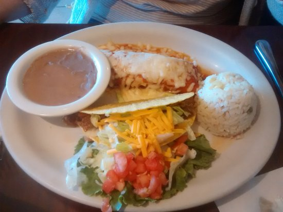 Ashton, MD: Taco and enchilada luncheon special