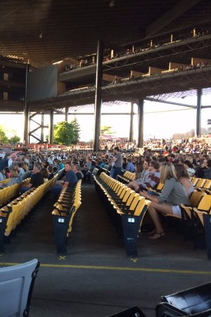 hall oates great concert picture of hollywood casino amphitheater tinley park tripadvisor. Black Bedroom Furniture Sets. Home Design Ideas