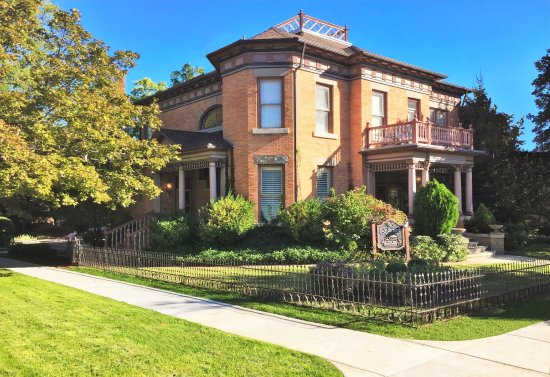 Ellerbeck Mansion Bed & Breakfast