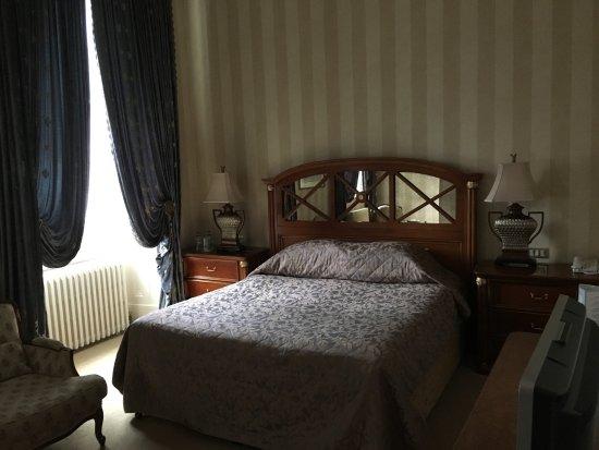Hotel Meyrick: Bett