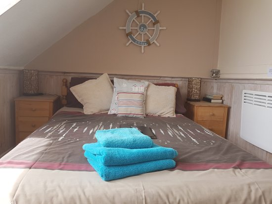 Sunnyside Guest House : Family room with en suite and sea views Sleeps 4
