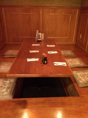 Sushi Zen: The booth set off by itself, probably for parties.