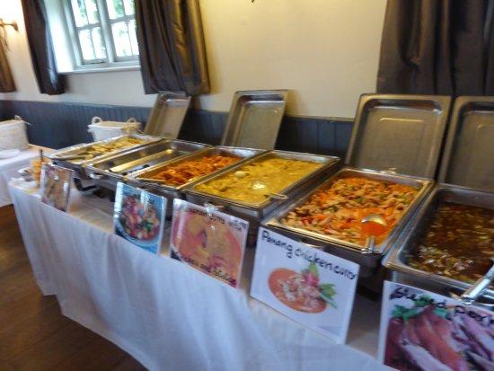 The Fox Inn: The beautiful and tasty display of Thai cusine