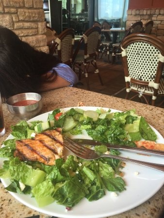 Gloria's Latin Cuisine: Light lunch, delicious and good food. Appetizers also great