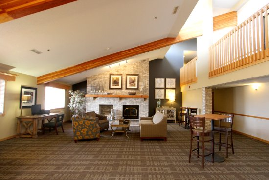 Litchfield, MN: Lobby