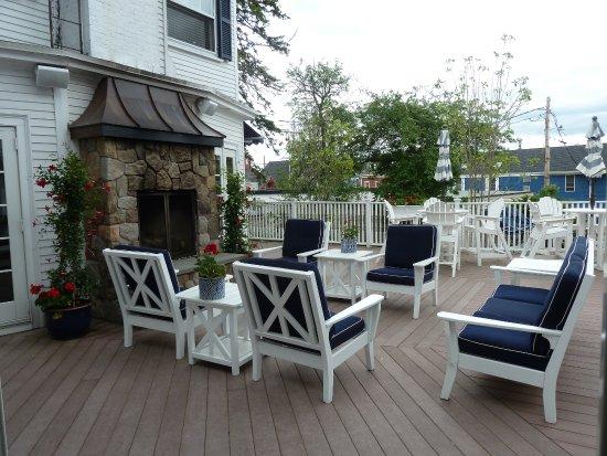 Kennebunkport Inn: outdoor deck