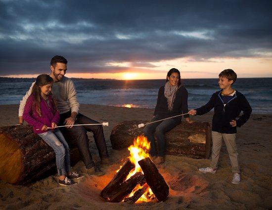 Monterey Tides, a Joie de Vivre hotel: Beach Bonfire