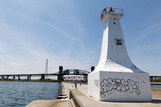 Burlington Canal Pier Lighthouse