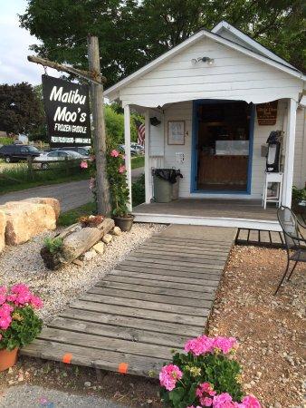 Malibu moo 39 s frozen griddle fish creek menu prices for Fish creek wi restaurants