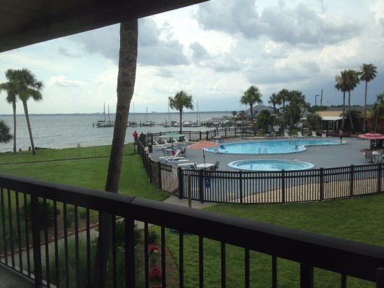 Quality Inn and Suites : View from second floor double with bay view