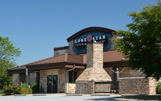 Lone Star Steakhouse: Chain but it's still good