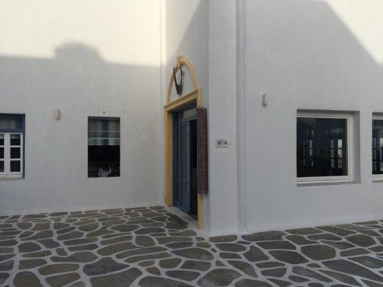 Poseidon Hotel - Suites: Lobby Entrance