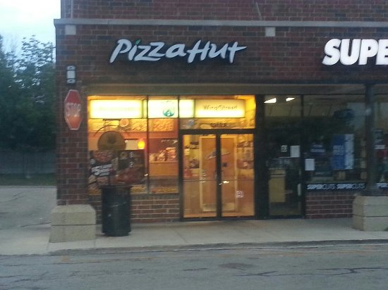 Pizza Restaurants. Chicago has its deep dish, New York City has its thin crust, this city has that, that city has this and so on. Pizza is a craft - a work of art, if you will - and depending on where you live, you're sure to prefer one style of pizza over the next.