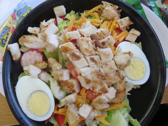 Clyde, Carolina do Norte: Chef salad w grilled chicken instead of ham and bacon