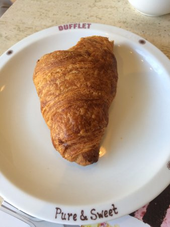 Dufflet Pastries Downtown: croissant - not so good