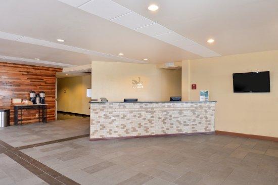 Quality Inn Oklahoma City Airport: Front Desk