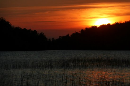 Green Heron Bed and Breakfast: Beautiful Sunset from the dock