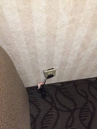 Embassy Suites by Hilton Arcadia Pasadena Area: Power socket not flush with wall