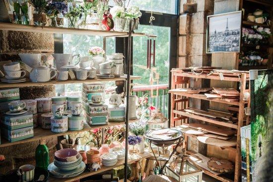 Savannah on Swan: Gift shop